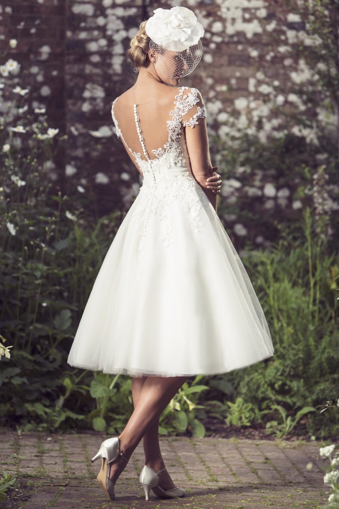 25 of the most beautiful tea length short wedding dresses for Tea length wedding dresses