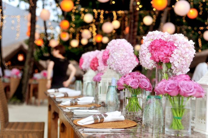 Outdoor wedding Top tricks to staying cool on your wedding day