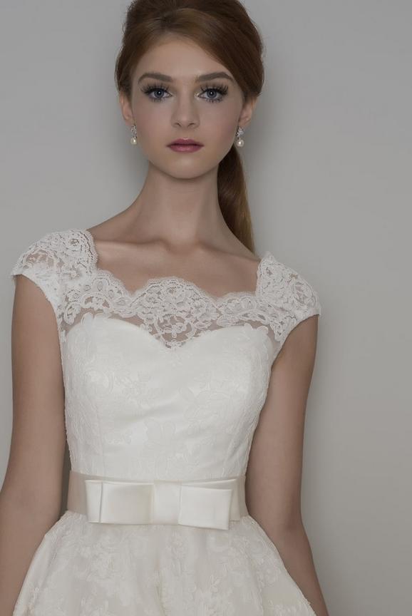guiding tips for wedding dress neckline