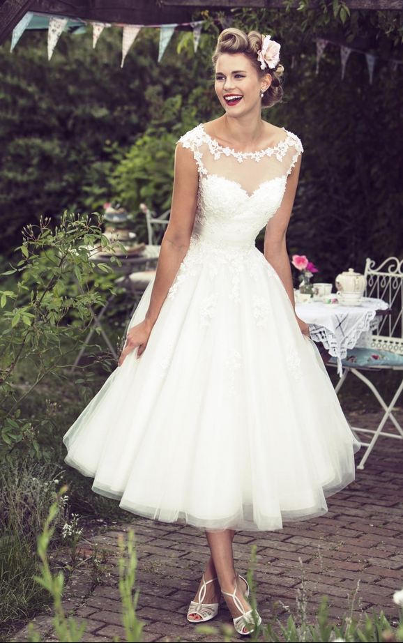 Molly Mae by True Bride themes for short wedding dresses. Ways to say 'I do' on your wedding day