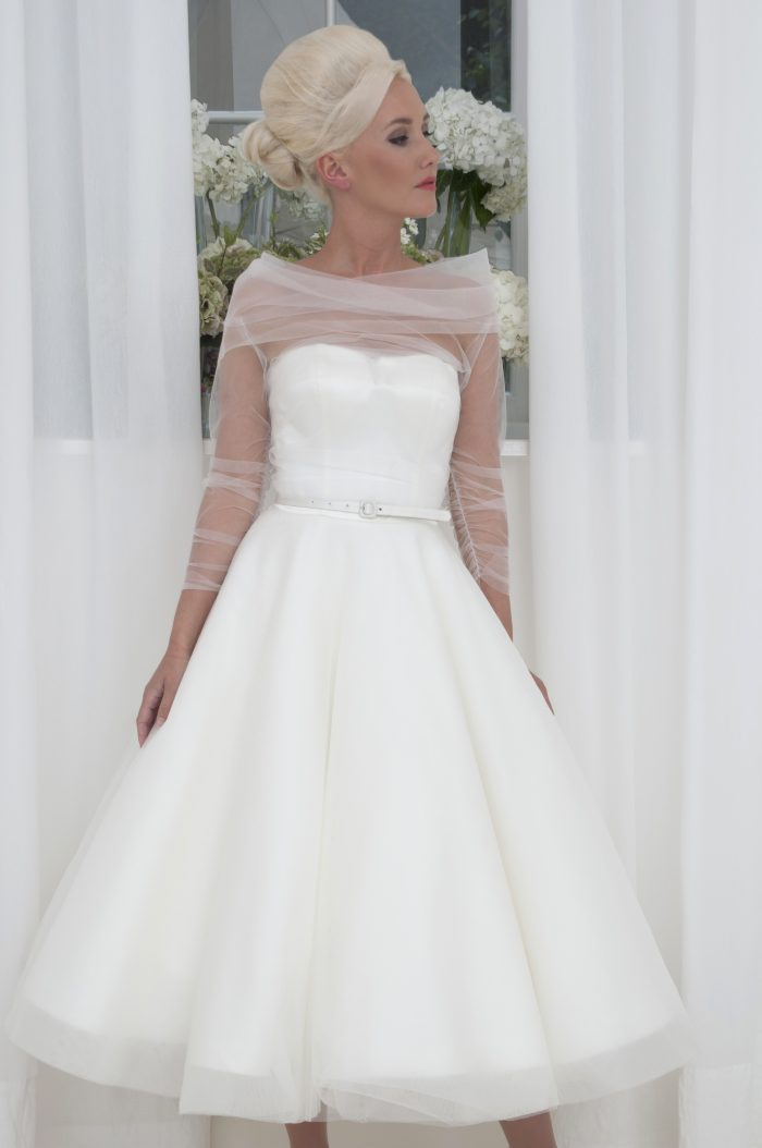 have a wonderful stress free wedding day wearing a vintage style wedding dress by House of Mooshki