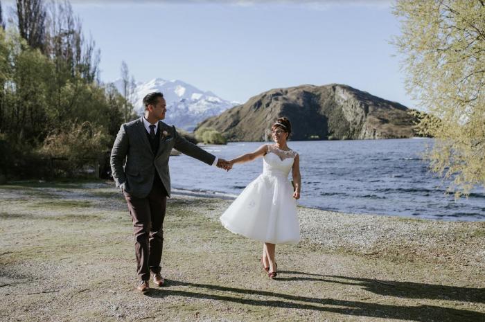 MOLLY-MAE Beautiful tea length wedding dress with a 1950s retro edge
