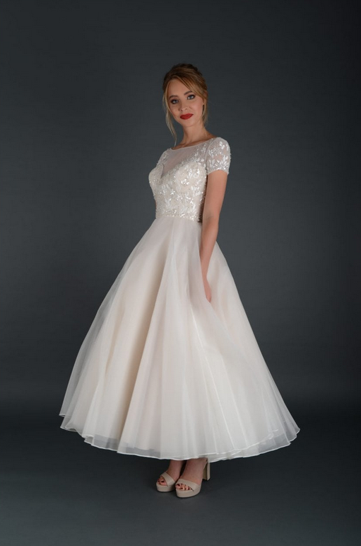 saskia by Lois Wild a very romantic wedding dress