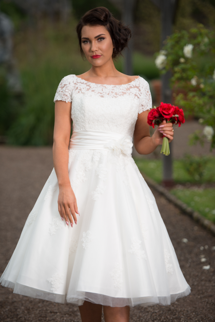 Timeless Chic wedding dress great to wear when plan for a destination wedding
