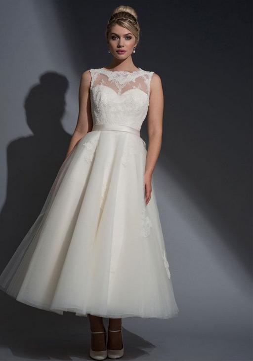 A gorgeous calf lenght wedding dress
