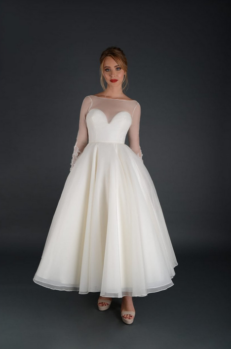 short wedding dresses with old Hollywood glamour