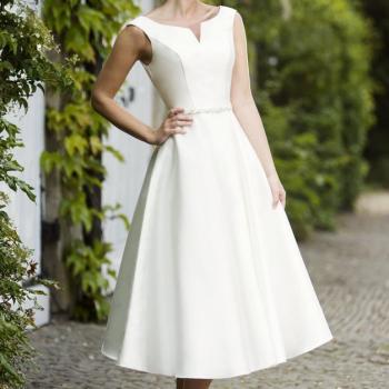 a fab wedding dress Bardot for a destination wedding 'what to pack'