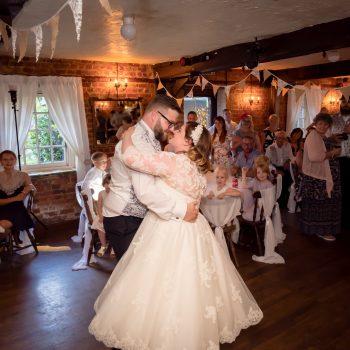 Jennifer & Jonathan wedding cutting edge brides
