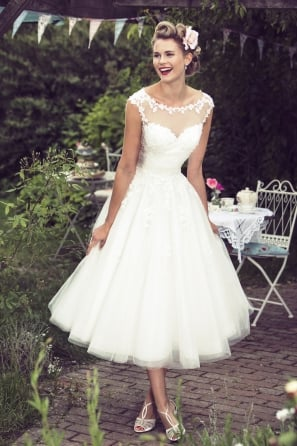 Molly-Mae Calf Length 1950s Vintage Retro Short Wedding Dress