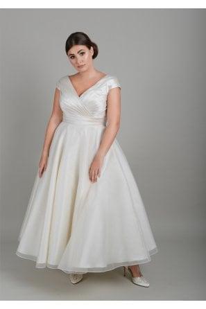 Lois Wild 1950s & 60s Vintage Wedding Dresses