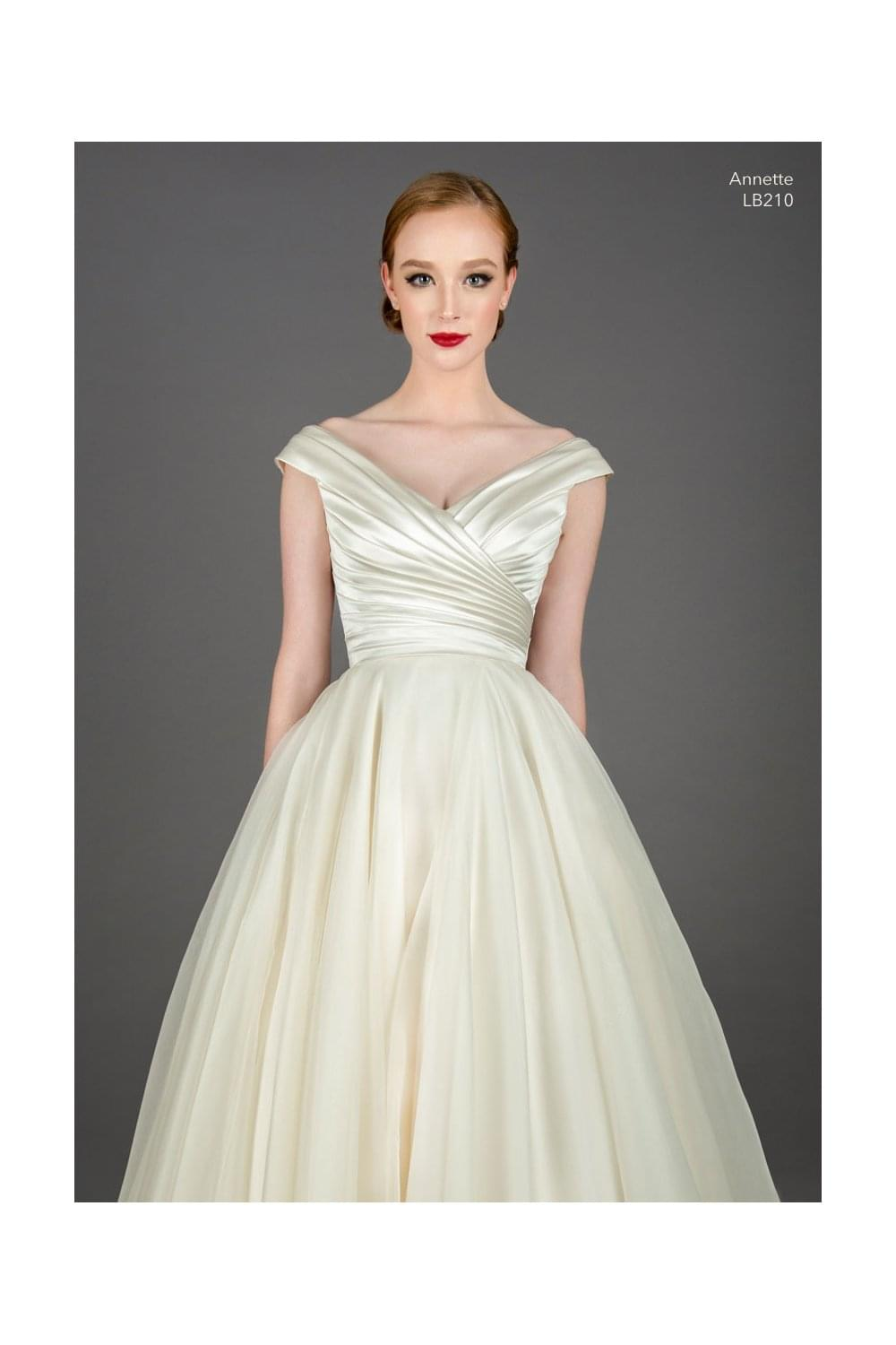 Glam Wedding Dresses Uk - Wedding Dresses Thumbmediagroup.Com