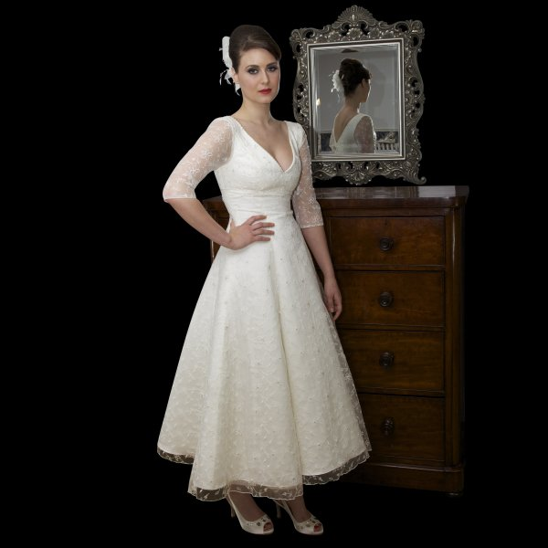 Wedding Dresses For Over 50s Uk: Timeless Chic Tea Length Lace Wedding Dress