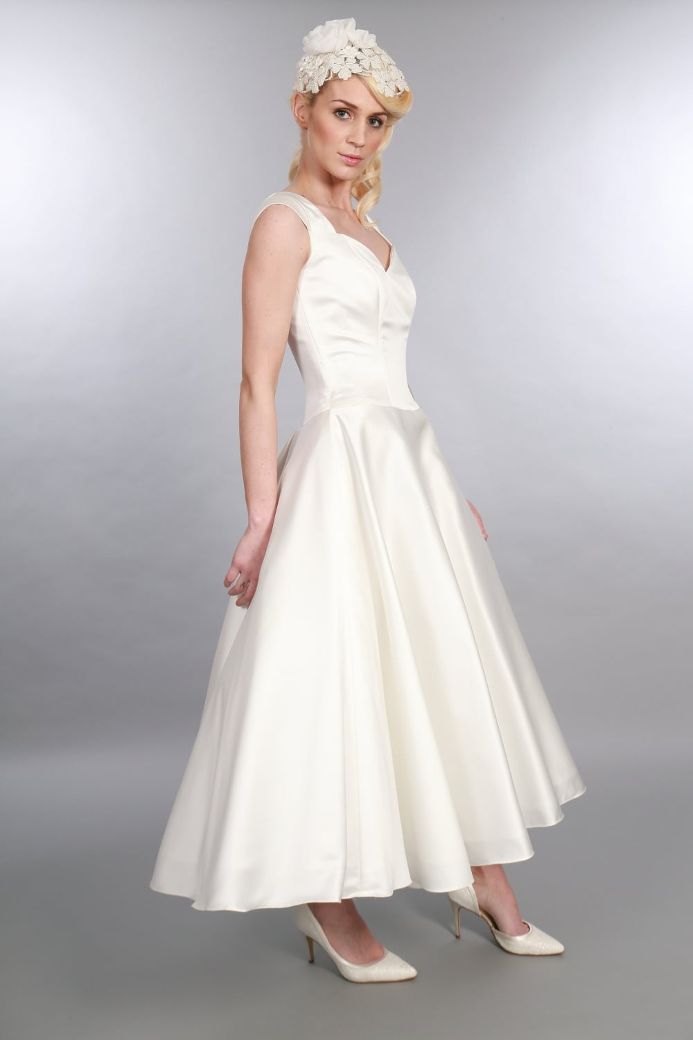 ivy tea length 1950s vintage style wedding dress with capped sleeves
